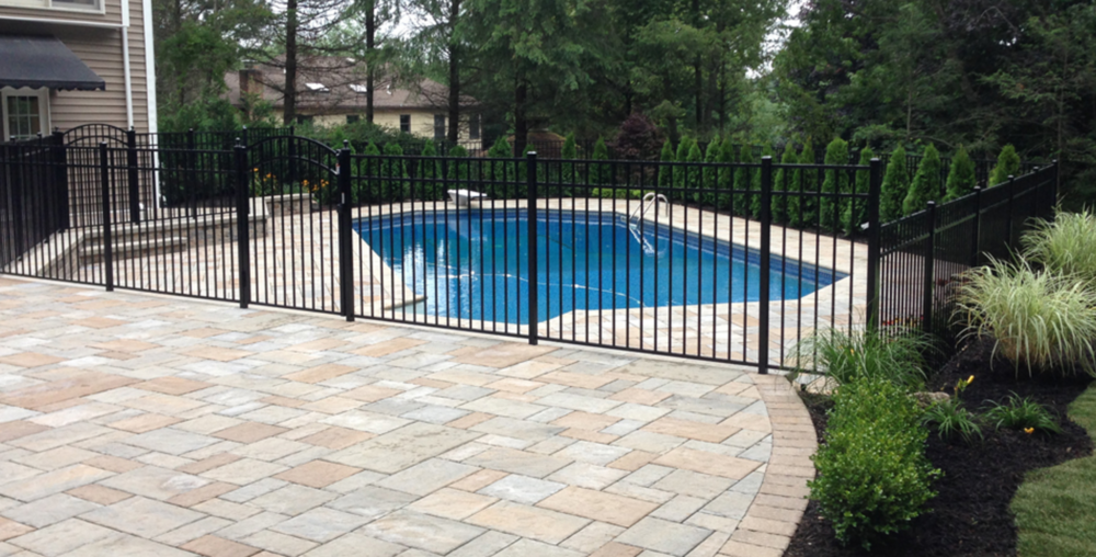 Smithtown, NY swimming pool fence