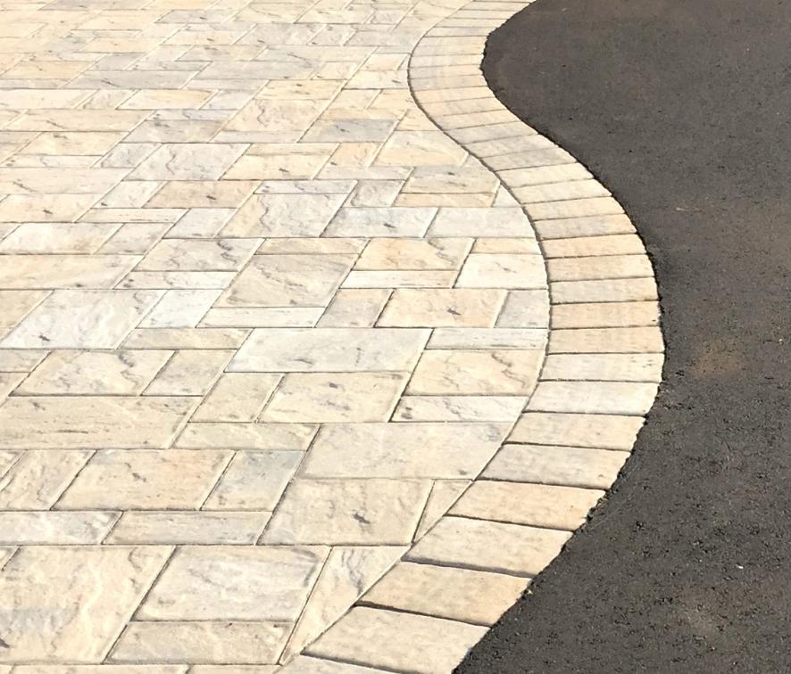 Smithtown, NY driveway concrete pavers