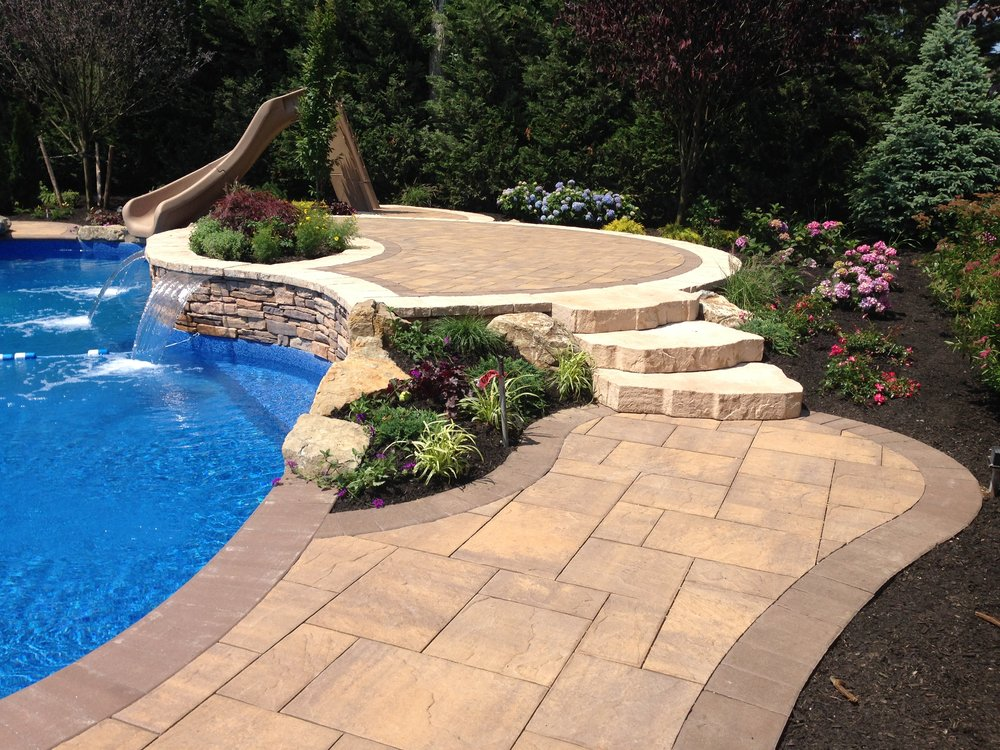 Swimming pool backyard design in Huntington, NY