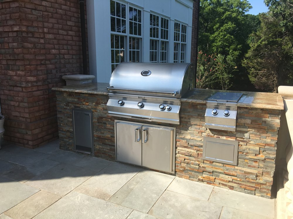 long island outdoor kitchen with natural stone