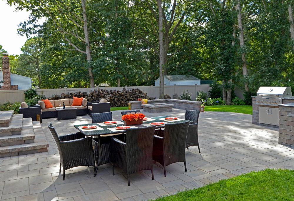 Nesconset, NY outdoor living patio area