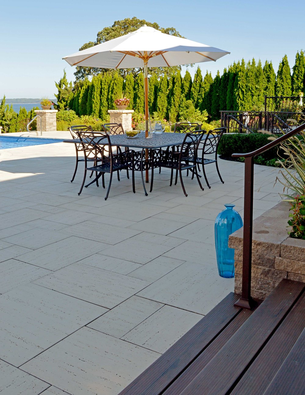 Oceanview swimming pool landscaping in Bayvlle, NY