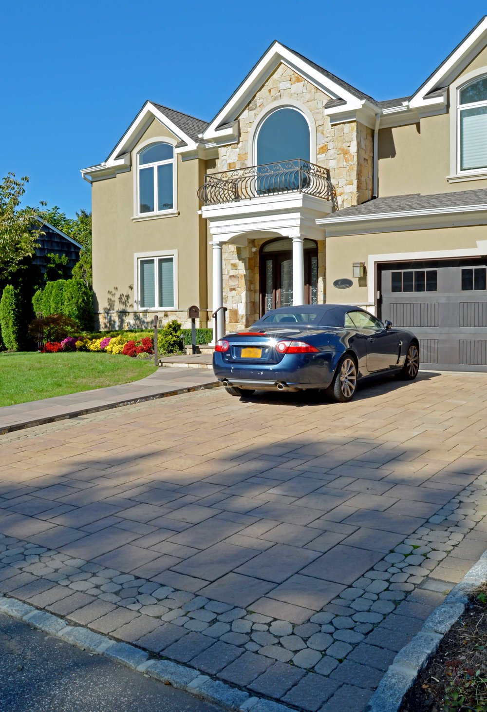 driveway in Bayville, NY