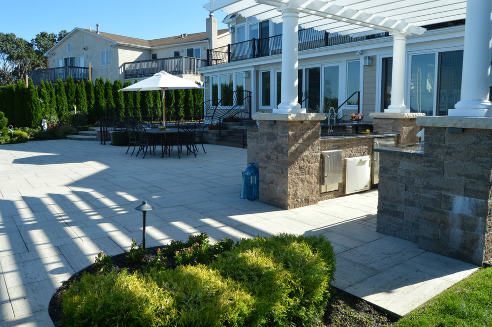 5 Design Styles for your Hicksville, NY Outdoor Kitchen
