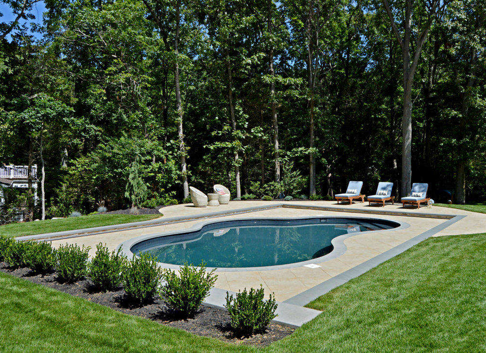 Picking a Design Theme for Your Hicksville NY Landscape