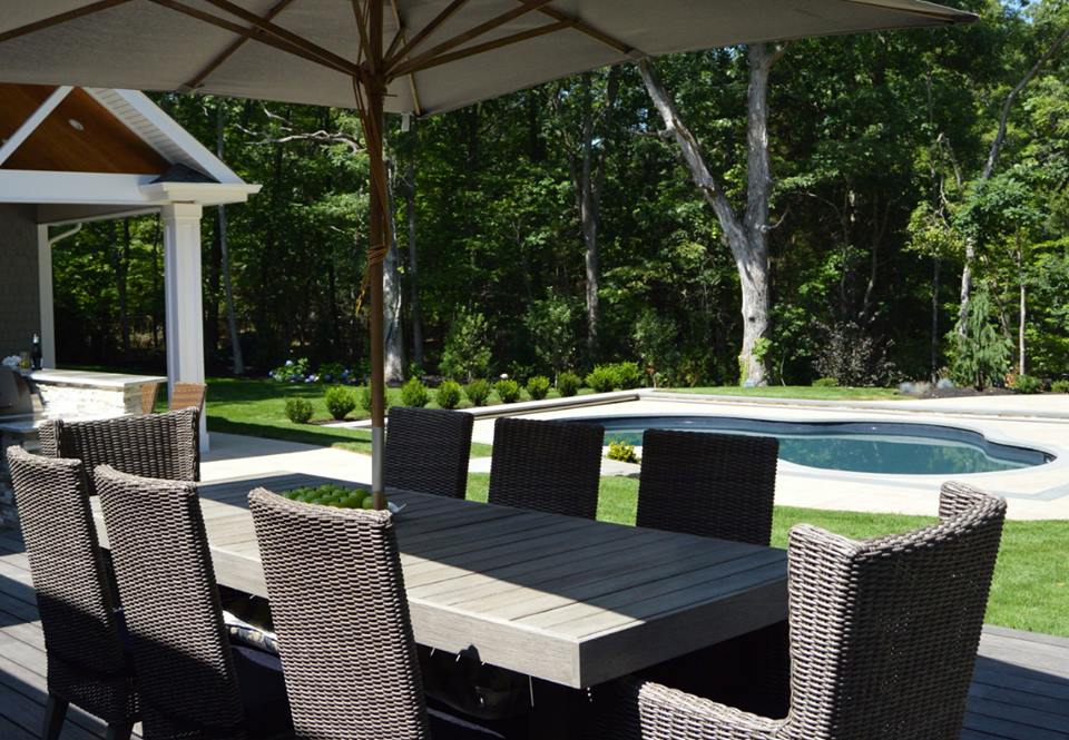 Incorporating An Outdoor Dining Area Into Your Hauppauge NY Landscape Design