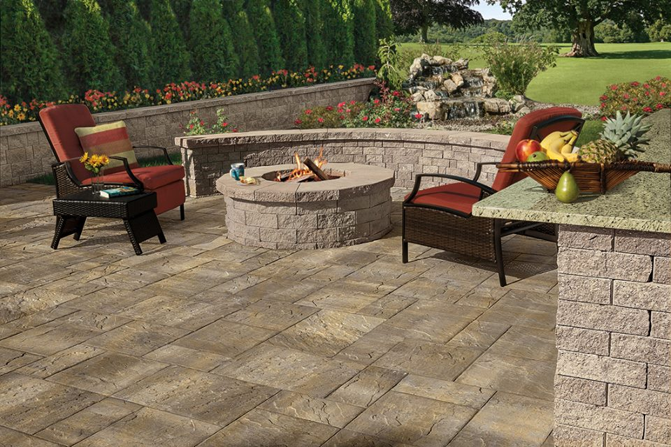 Innovative and Contemporary Borders for Functional Hicksville, NY Patios
