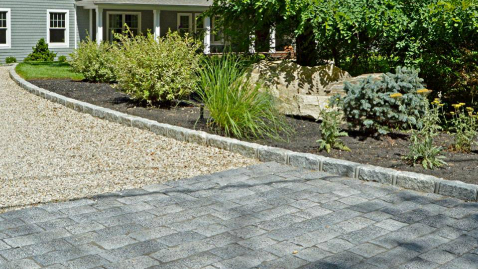4 Showstopping Driveway Designs for Your NY Landscape