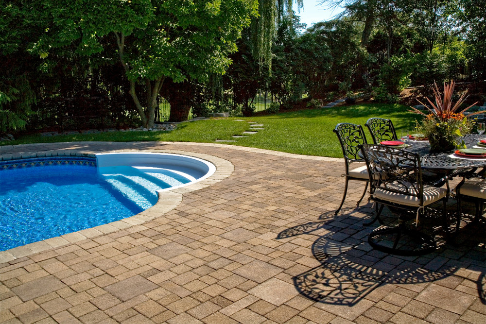 Natural Stone vs Concrete Pavers for Patios in Plainview, NY