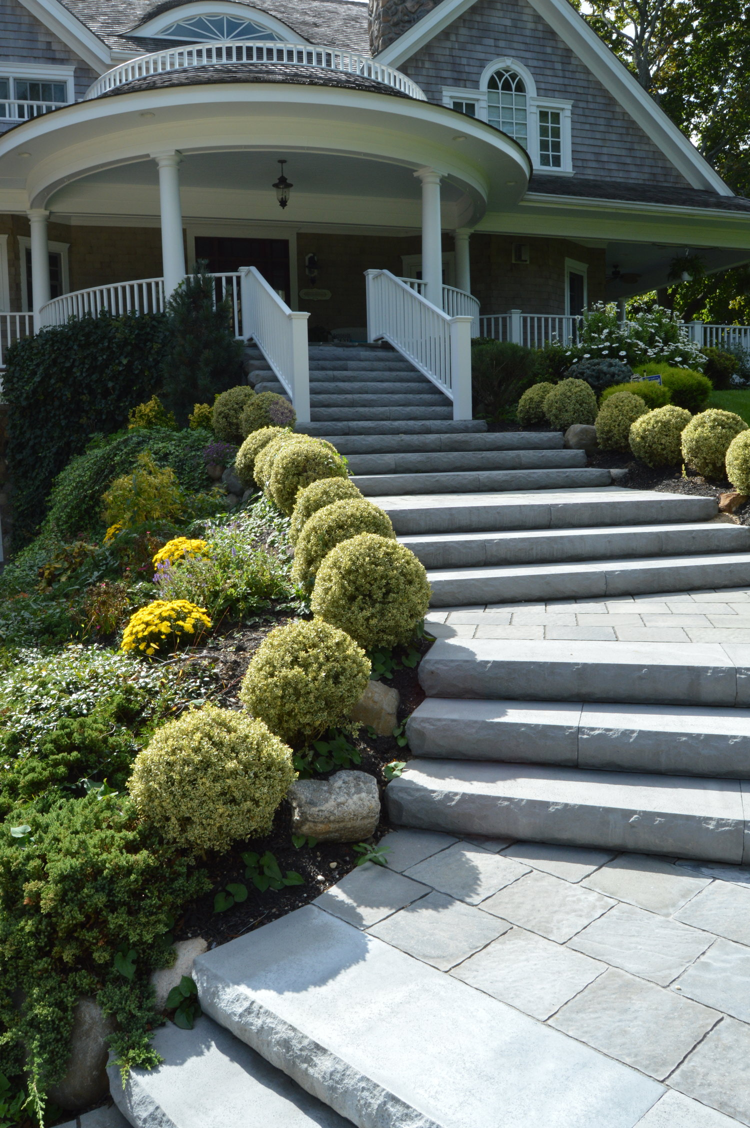 Transform Your Hicksville Ny Front Yard Landscape Design With An