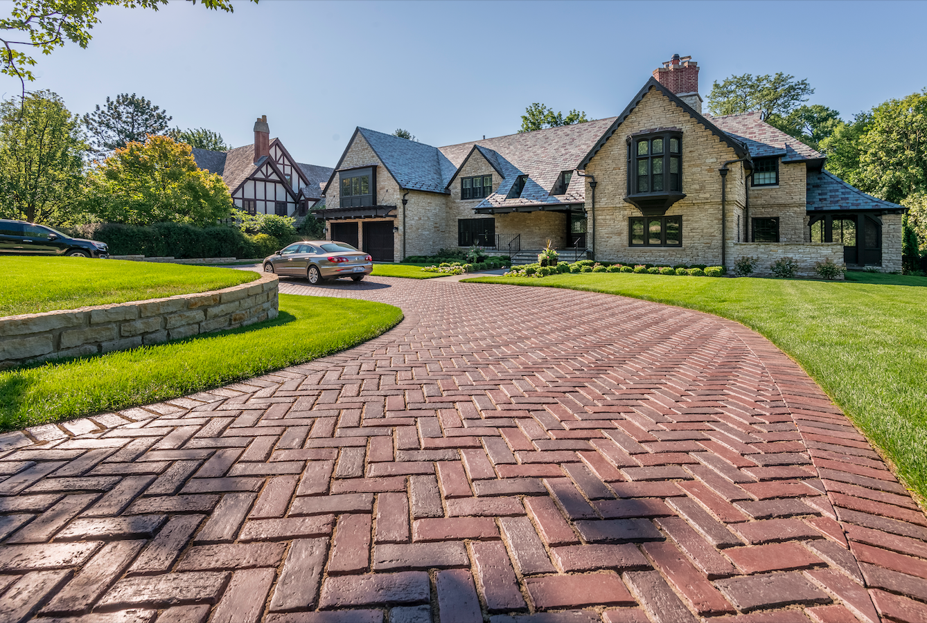 Circular Driveway Ideas for Your Syosset, NY, Landscape — Above All