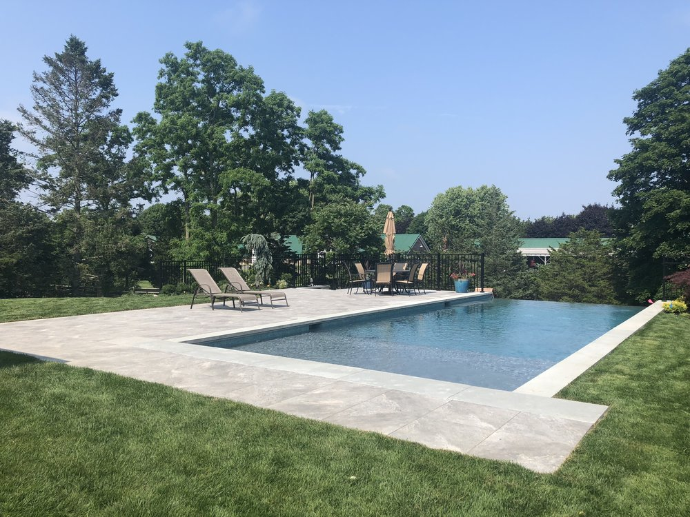 4 Luxurious Landscape Architecture Ideas for Your Plainview, NY, Pool
