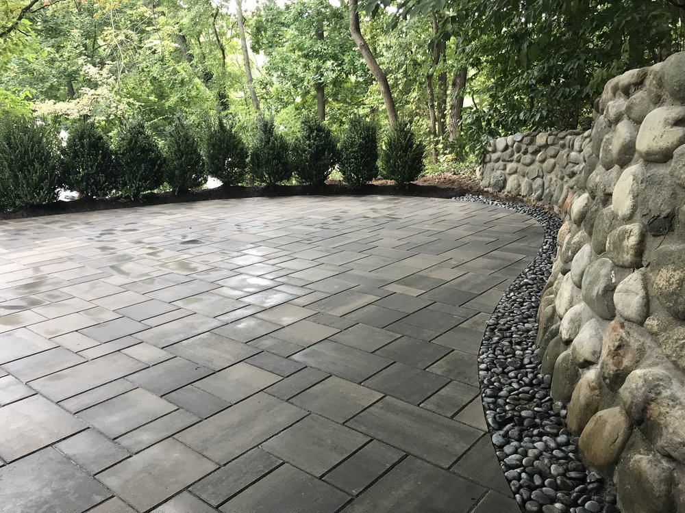 4 Landscape Architecture Ideas for Increasing Privacy in Your East Northport, NY, Backyard
