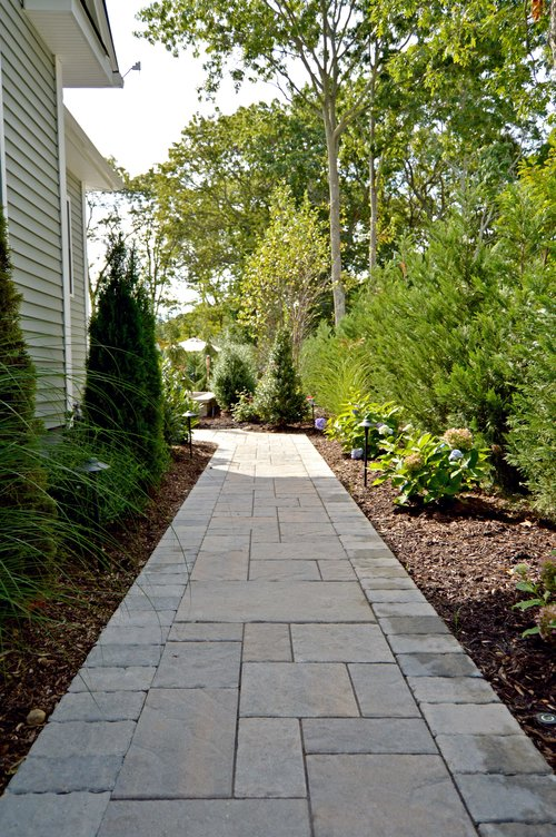 4 Ways To Light Up Your Syosset Ny Front Walkway With Landscape