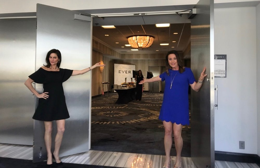 Set up and ready for action in Houston — where attendees received a warm welcome from Independent Specialist Mary Claire Haver and Regional Sales Director Jen Orlando!