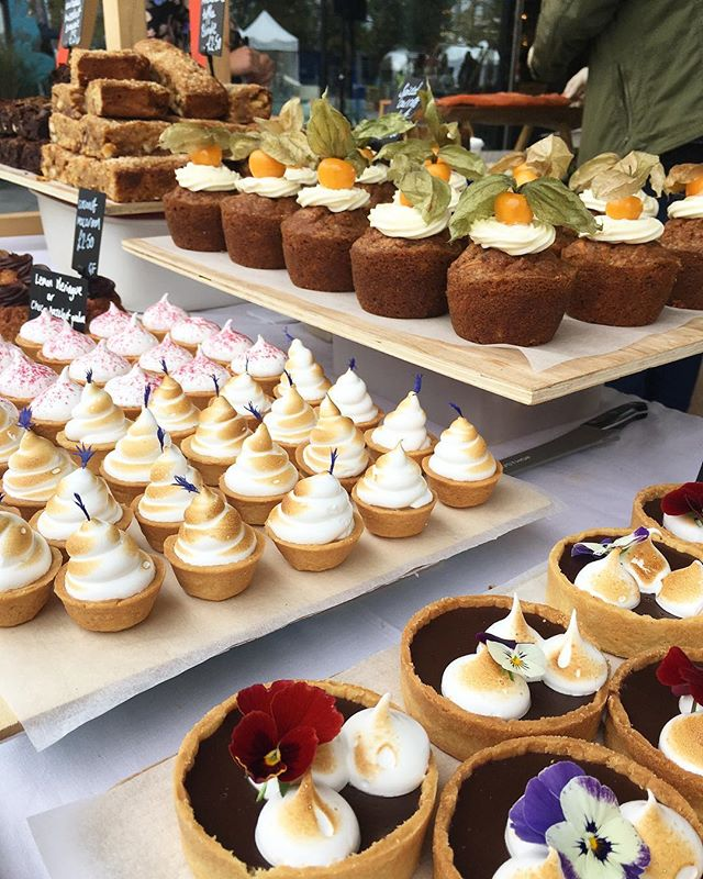 Back at SAMPLE market today at Greenwich Peninsula! Lots and lots of freshly baked treats for you (it was a late one 😴) Here until 5pm, come down to support some amazing local business. #sampleautumn #supportlocal