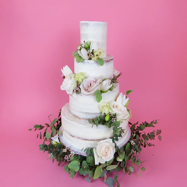 I'm taking over the @mostcuriouswedfair insta today, come take a look at what I'm working on plus I'll be running a competition to WIN YOUR WEDDING CAKE...! #mostcuriousweddingfair  This is one of the cakes I showed at the Un Wedding fair last weekend, she got a lot of love ☺️