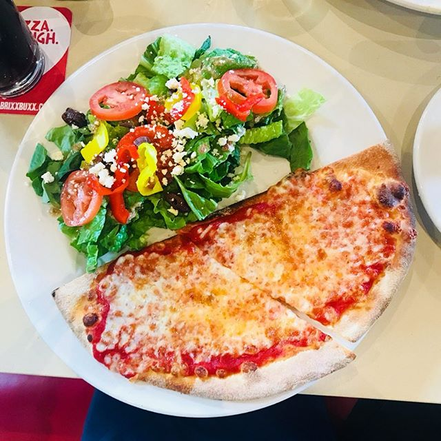 When your head is telling you to get a salad.. but your heart wants pizza. 🥗🍕 #getstealz @brixxpizza