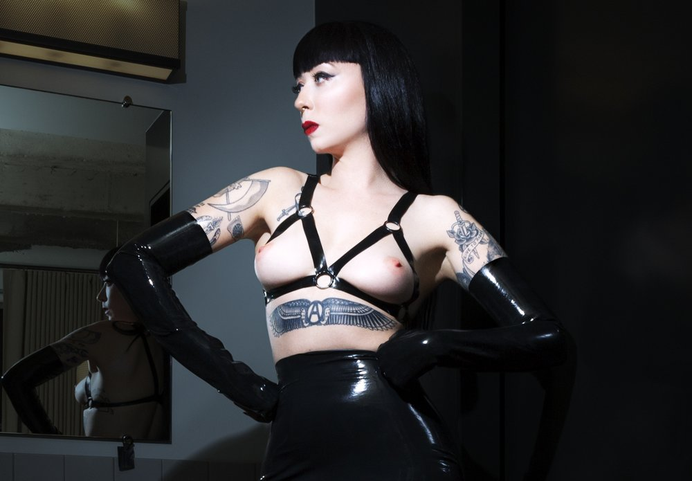 mistress_ramona_ryder_latex_fetish_dominatrix_domme_dom_femdom_domina_gloves_harness_skirt_shiny_black_hair