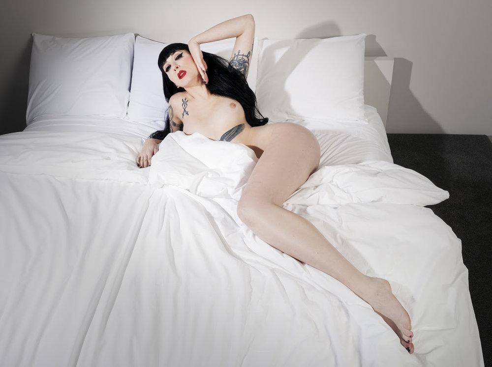 ramona_ryder_pinup_babe_long_legs_pale