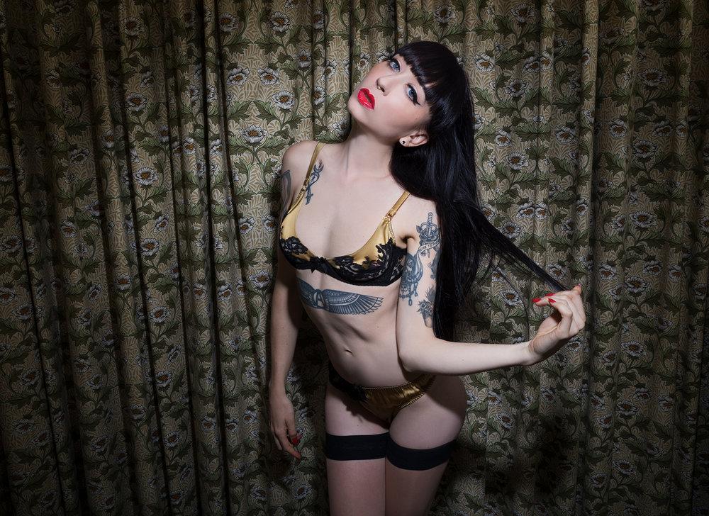 Mistress_Ramona_Ryder_SF_San_Francisco_Escort_Dominatrix_Domme_GFE_Girlfriend_long_hair_femme_fatale_silk_lingerie.jpg