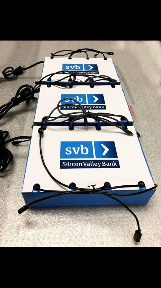 portable-wallmount-cell-phone-charger-banks.jpg