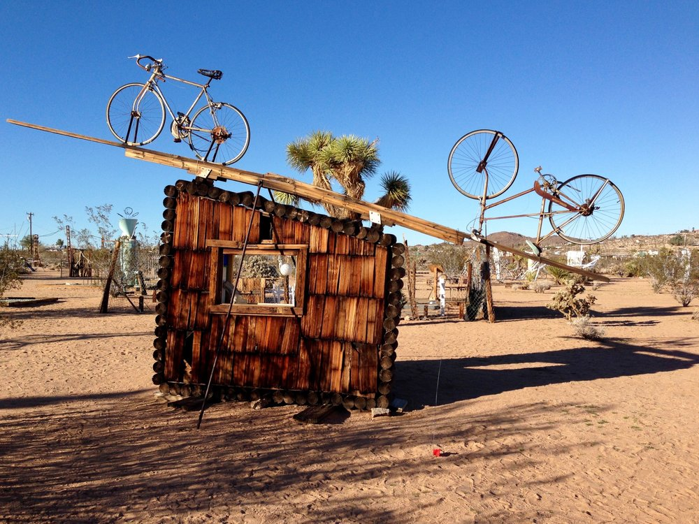 Noah purifoy OUTDOOR MUSEUM JOSHUA TREE -  JOSHUATREEVACATIONHOMES.com