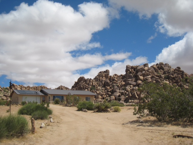 Sunnyrock Acres available at www.JoshuaTreeVacatoinHomes.com
