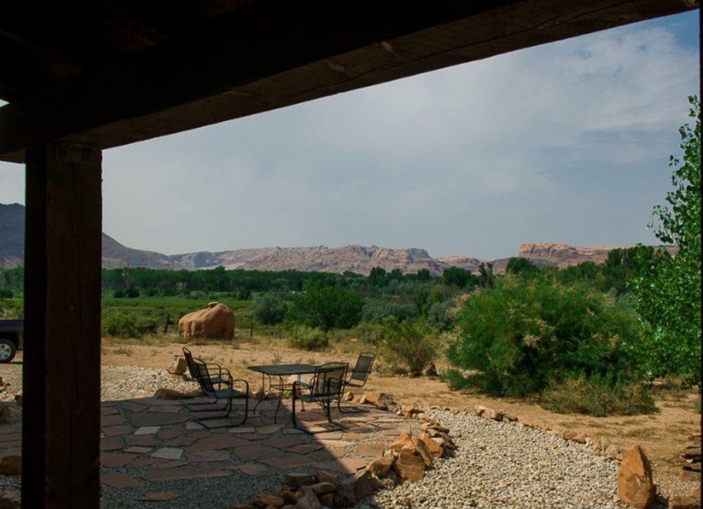 moab-panorama-oasis_view2.jpg