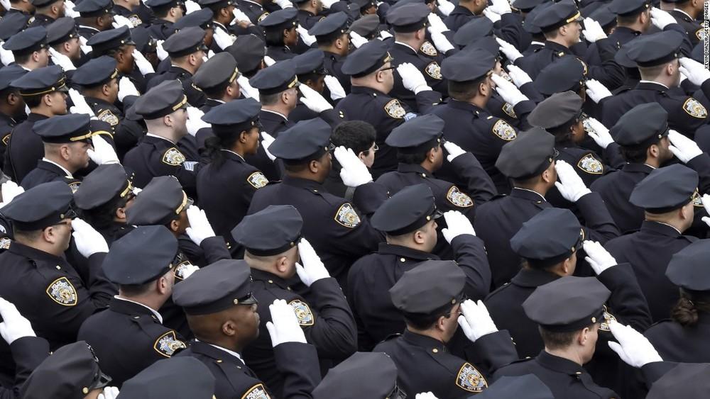 150104142401-10-liu-funeral---salute---restricted-super-169.jpg