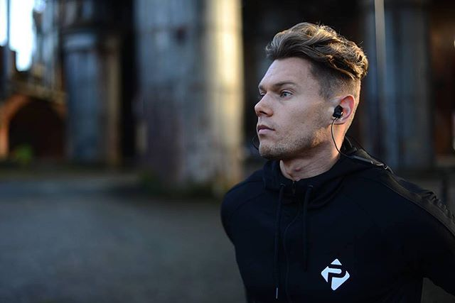 Everyone has their own style. X1 Wireless shooting by @scottshearsmith #jayfi #jayfix1 #jayfimusic #jayfi4fans #earphones #headphones #instagood #music #wireless #bluetooth #lifestyle #freedom #shooting #instalike #inspiration  #style #instaphoto #photooftheday #uk #cool
