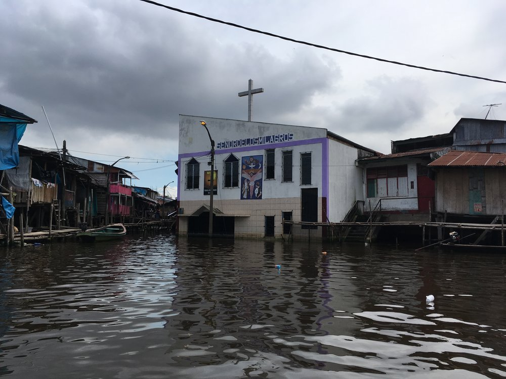 Церковь на воде.jpg