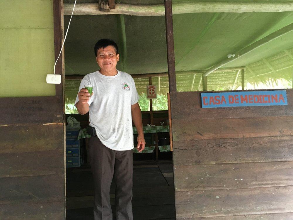 Roque уже 15 лет готовит лекарство из растений