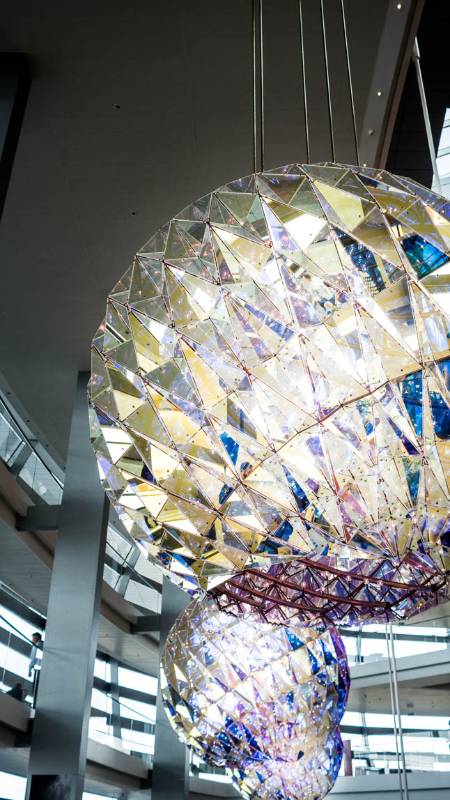 Just put one of our light sources in these color-crystal lamp shades. You just get all effects to the max!