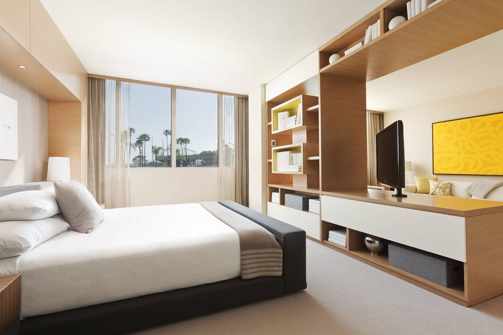 Hyatt Regency Long Beach Suite