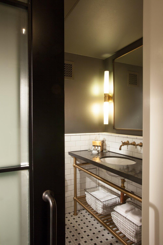 Maison Dupuy Bathroom