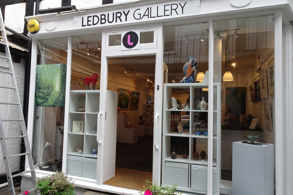 A new gallery in Ledbury who have recently put on display two of my oil landscapes. It is situated down a short passageway, four doors down from the traffic light crossroads, on the same side as the Market House. Well worth a visit. www.ledburygallery.com