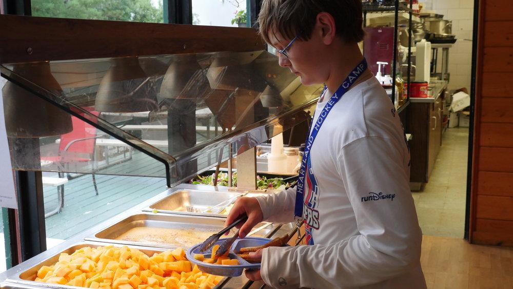 Hockey-Camp-Dining-Room.JPG