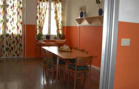 "The kitchen where families eat together.  Photo credit:  www.mentelocale.it ""Partorire a San Martino"""