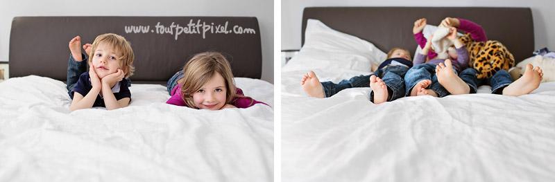 enfants-qui-jouent-sur-le-lit.jpg