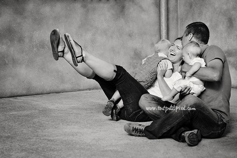 photo-de-famille-joyeuse-et-originale.jpg