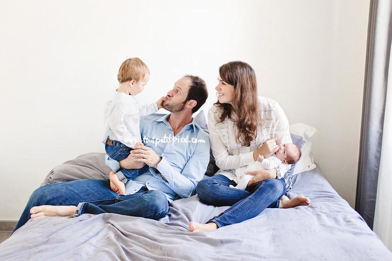 photo-de-famille-naissance-naturelle.jpg