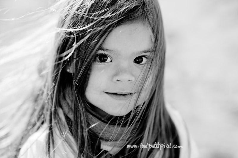 portrait-enfant-noir-et-blanc.jpg