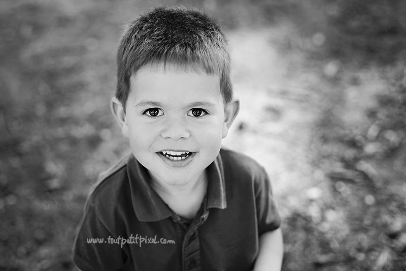 portrait-enfant-noir-et-blanc-marseille.jpg