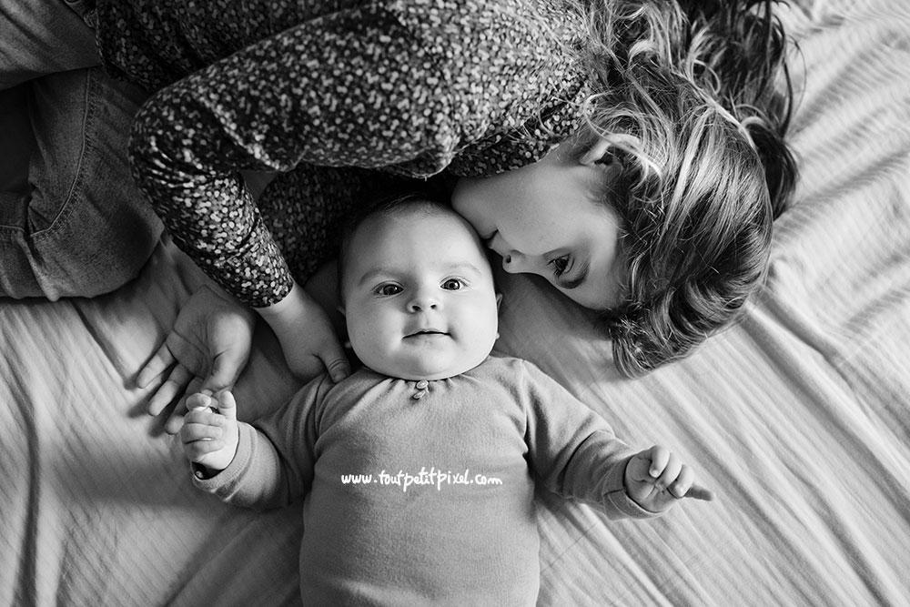 tendresse-bebe-grande-soeur.jpg