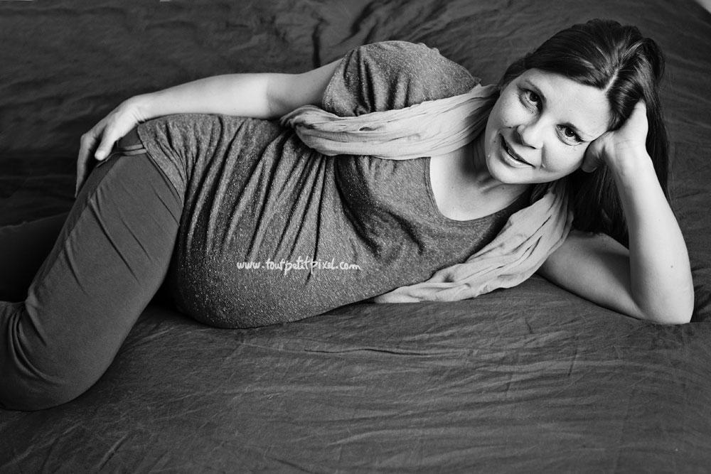 photo de femme enceinte naturelle