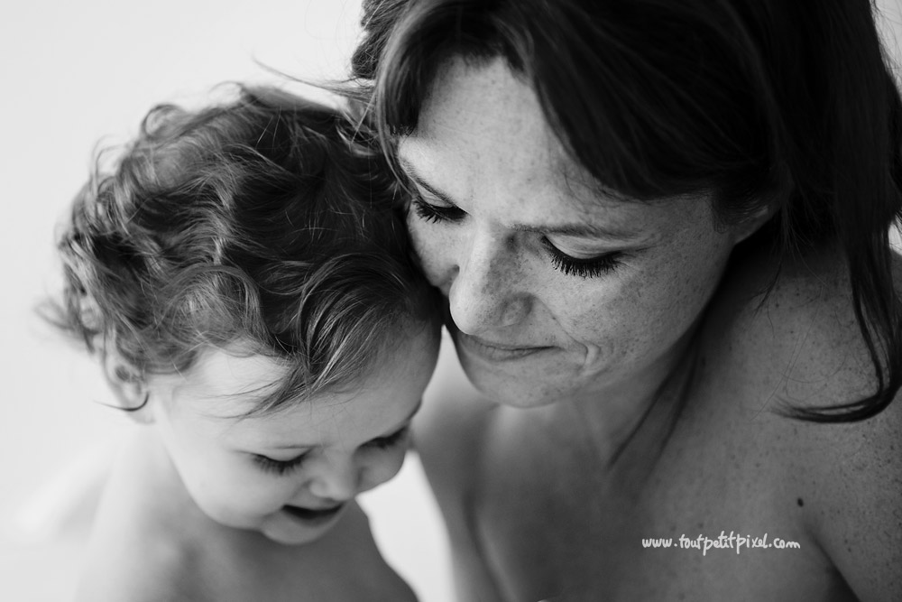 Portrait-maman-bebe-noir-et-blanc.jpg