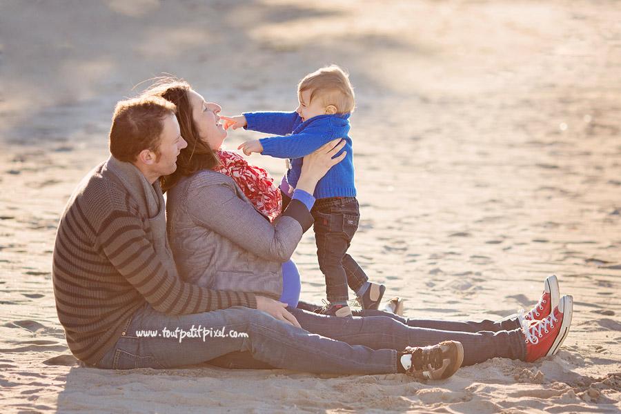 photos-de-famille-a-la-plage-marseille.jpg