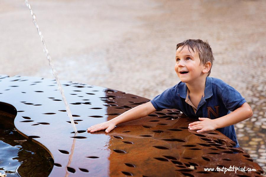 enfant-fontaine-mucem-marseille.jpg