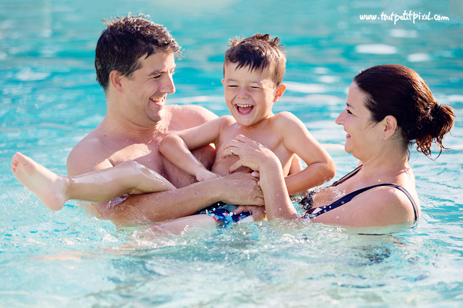 photo famille piscine